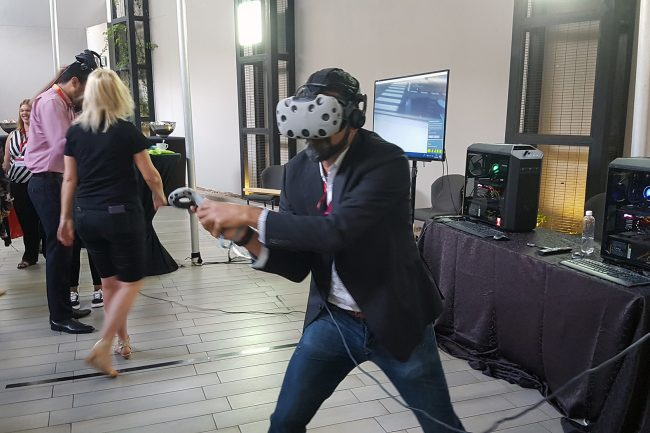 corporate-virtual-reality-team-building